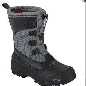 The North Face Alpenglow IV Winter Boots Size 6